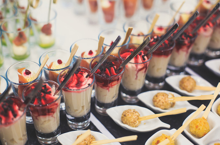 5 new and fashionable ideas in wedding catering for 2017