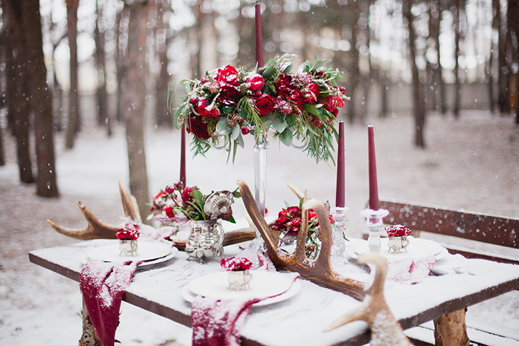 Ten Christmas Wedding Ideas