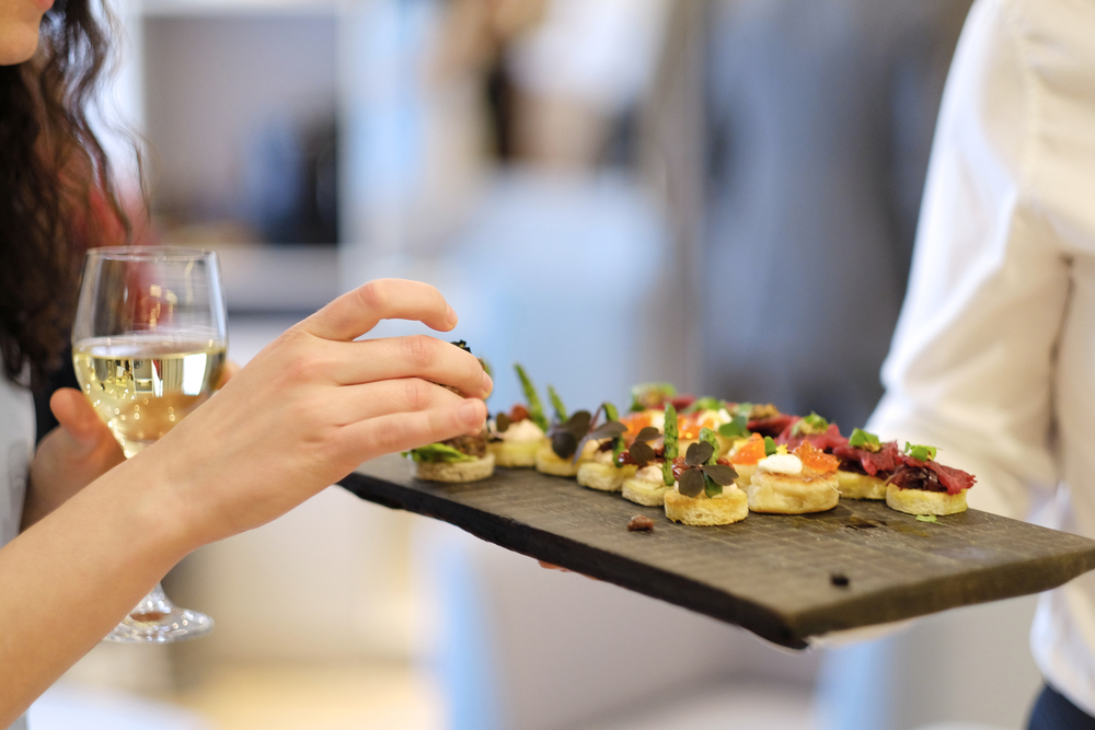 Finger Foods to Feed Your Guests at the Wedding Reception