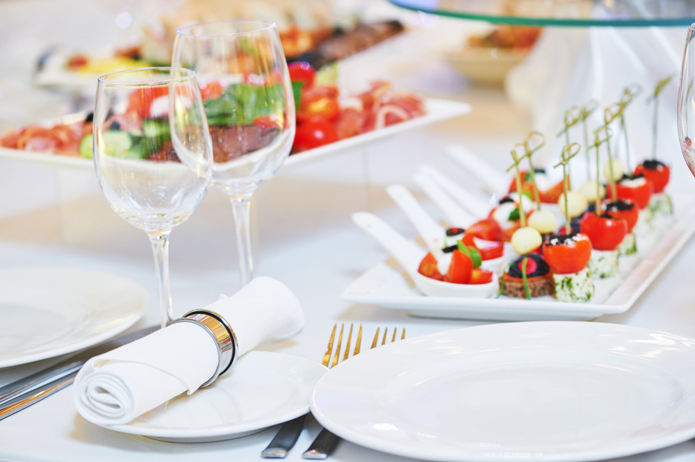 3 Delicious Wedding Reception Food Ideas Your Guests Will